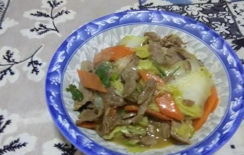 """炒白菜时,最""""忌""""直接下油锅,多加1步,白菜又香又脆,真好吃"""