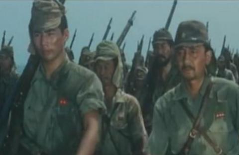 日本战败,士兵回家看到妻子,感到绝望:还不如战死