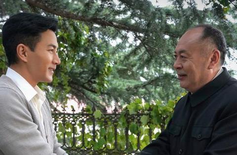"""刘恺威《外交风云》热播,""""霸道总裁""""转型演技派,普通话待加强"""