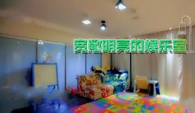 参观杨威退役后的豪宅,儿童房装修很有童趣,连墙纸都是卡通的