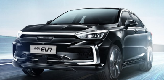 既要有空间也要有性价比,有哪些国产纯电动中级轿车可推荐?