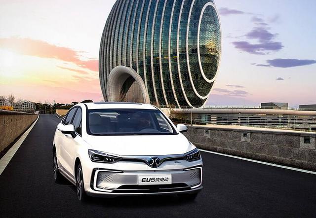 自主品牌无坚可守:新能源汽车销量三连跌,失去补贴就是一滩烂泥