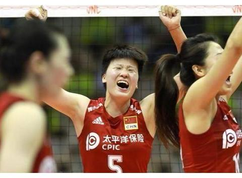 中国女排再次调整,16人集训照出炉,副攻两新星掉队一人最可惜