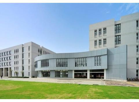 西南录取分数线最高的大学,风头盖过四川大学,学生就业率极高
