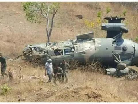 不幸!飞机坠毁前夕,飞行员作英勇决定,牺牲自己护卫村庄!