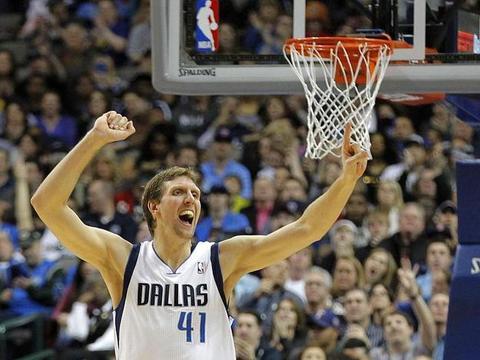 """NBA谁防诺维茨基最好?诺天王:只有他能防住我的""""金鸡独立"""""""
