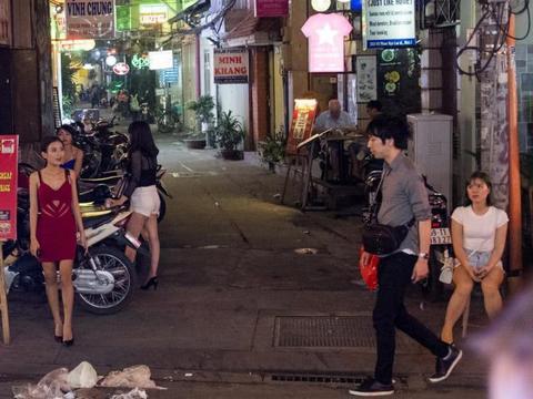 东莞虎门这条小巷,曾经是外地人的天堂,如今变成什么样了?