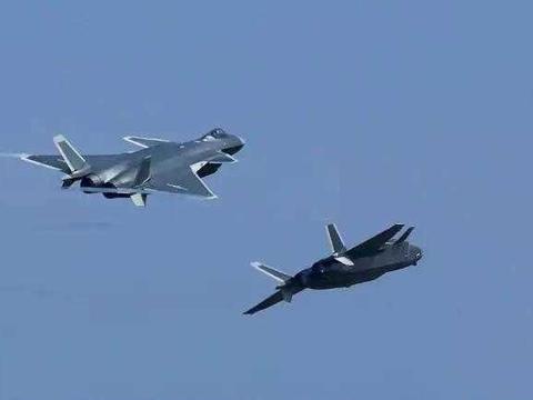 五代机空战时代开启!机载雷达成摆设,歼20换新设备抢先发现目标