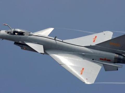 """国内体型最""""小""""的四代半战机:曾在军演中击败歼20,性能很强悍"""