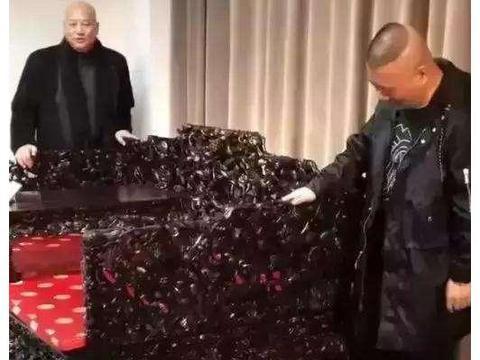 看到迟重瑞家的一张椅子,身价过亿的郭德纲直呼:我太穷了