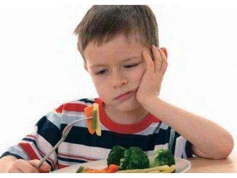 孩子挑食上幼儿园后饭量大增,看到辞职老师发的图,惹宝妈大怒