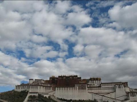 """西藏最接近""""天堂""""的村庄,全村仅有一个厕所?人均寿命仅40岁"""