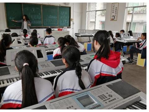 兆嘉乡九年制学校 乡村少年宫暨留守儿童特长教育开课啦