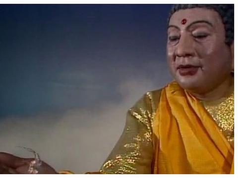 他是西游记中如来的扮演者,到泰国买佛像,却发现上面画的是自己