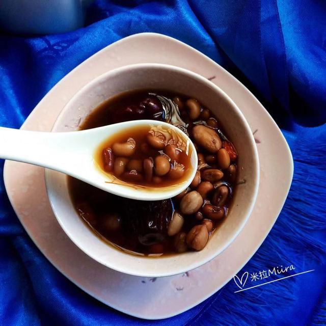 养颜五红汤,甜度适中,补铁补血美起来