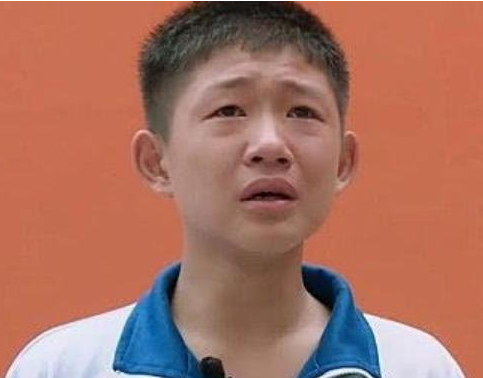 15岁儿子因为爸爸太丑而苦恼,但当镜头扫向父亲,大家都看呆了