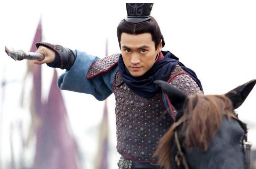 """马王堆发现""""特殊武器"""",揭开汉朝大臣上朝带剑之谜,意想不到"""
