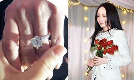 网传姚笛探班文章,手上取下了订婚戒指,网友:要在一起的节奏