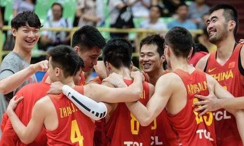 中国篮球的未来,会是周琦,是小丁,还是谁呢?你们怎么看呢?