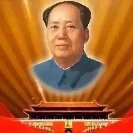 毛主席靠边坐,周总理站后排这张照片火了!