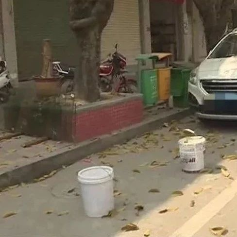 【创文】澄海这个地方存在临时停车位被铺户私占现象严重,相关部门进行巡查和整治……