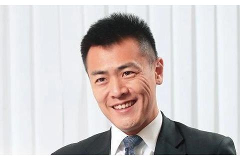 刘銮雄39岁大儿子被女友甩了?父亲追女孩子的套路他一点没学到