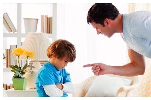 到底该不该给孩子吃零食?家长的做法关乎到孩子的快乐