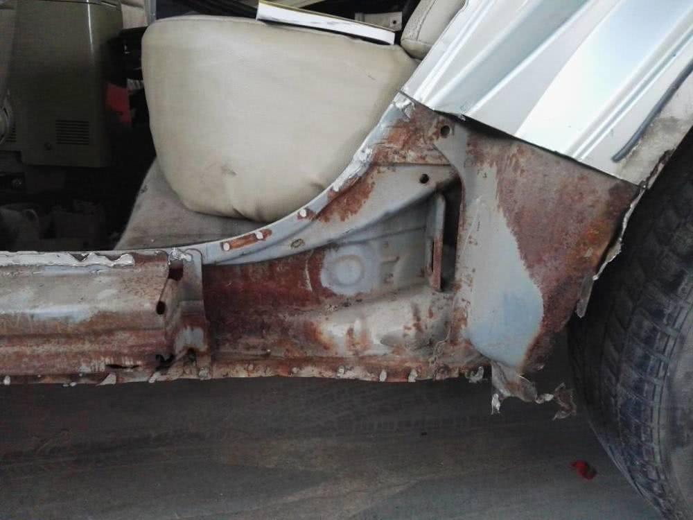汽车容易生锈,为何不用不锈钢造车?保时捷:有苦难言