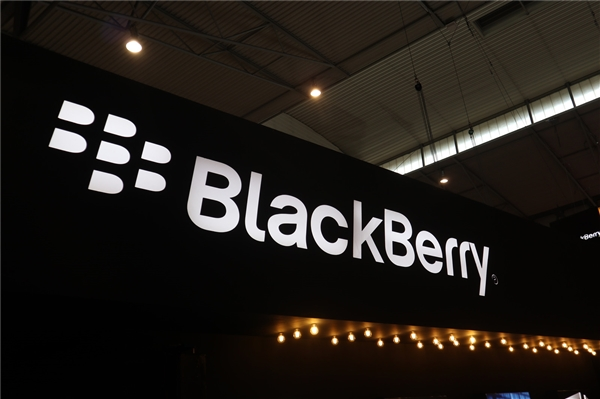 TLC:没有5G黑莓手机 5G冰箱更有趣