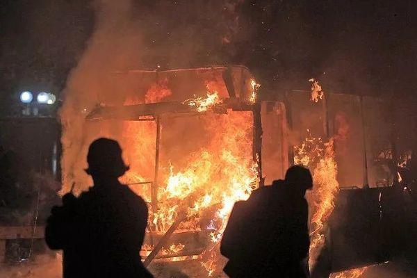 智利骚乱升级:多地进紧急状态、8死近1500人被捕
