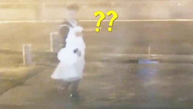 """视频-男子喝断片 夜闯服装店化身""""女装大佬"""""""
