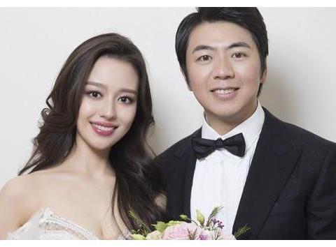 郎朗妻子蹩脚中文获好评,李小鹏老婆中文说的很溜,却坚持用英文