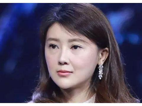 甘薇与贾跃亭离婚:是否可以逃脱与贾跃亭的巨额负债?