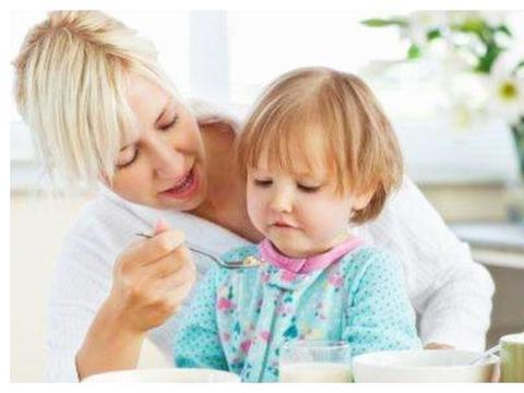 挑食女儿上幼儿园后饭量大增,辞职老师的两张照片,惹怒宝妈