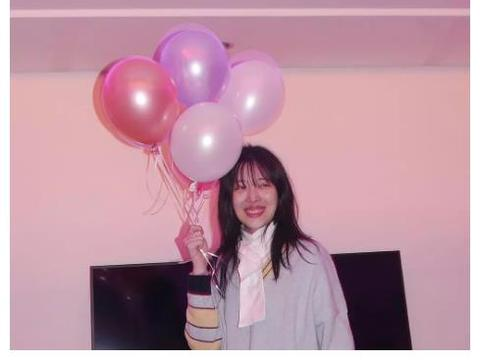 崔雪莉去世, 生前聚会私照透露精神状态, 自评或许为最大死因