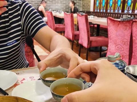 """广州早茶""""老字号"""",江苏人津津乐道,广州本地人却不乐意了"""