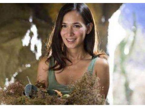 她是《战狼2》原定女主,开拍前临时加价,今名气比卢靖姗差远了
