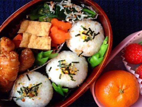 各国孩子在学校的午餐:美国孩子很营养,中国孩子最幸福