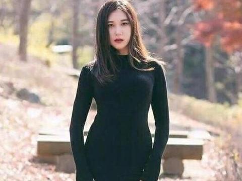 """45岁韩国辣妈健身25年,""""蜜桃""""身材惹人羡慕,引小鲜肉搭讪"""