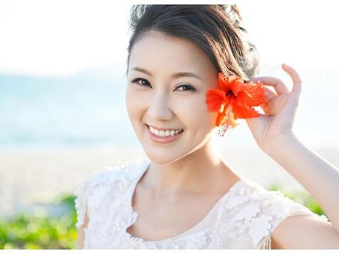 贾跃亭甘薇申请离婚?揭秘35岁美女演员甘薇的成名经历与婚姻生活