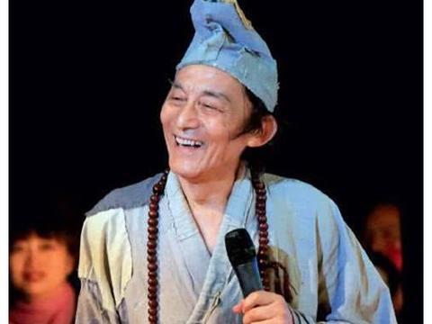 """你还记得""""济公""""游本昌吗?年轻时颜值吊打小鲜肉,如今86岁"""