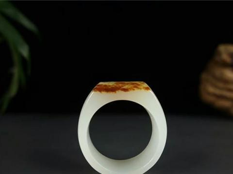 行家解析:和田玉戒指如何保养?和田玉戒指保养方法!