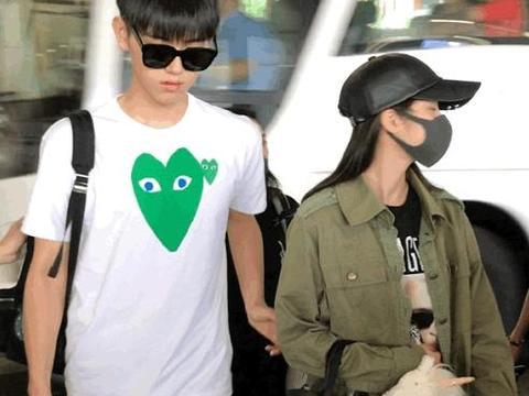 欧阳娜娜陈飞宇现身机场,当两人过马路时,陈飞宇小举动太有爱了