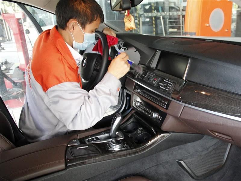 天气入秋汽车保养如何做?老司机:这3步做到位,过冬也可以!