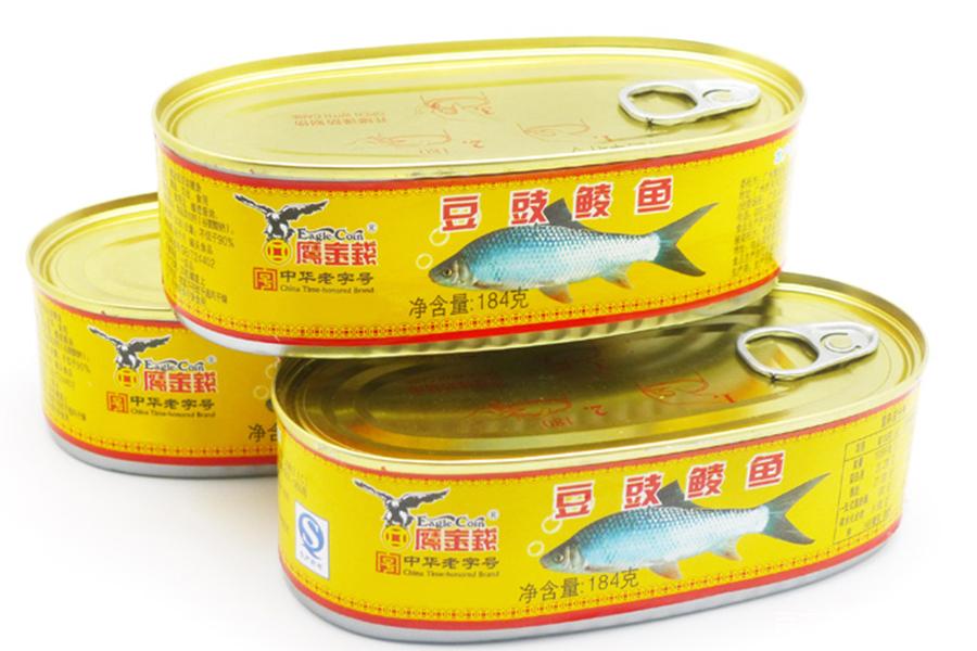 豆豉鲮鱼油麦菜,再来三大碗米饭,谁说罐头就不好吃呢