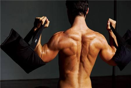 想获得巨大三角肌?4个动作,让你轻松攻克肩部干瘪