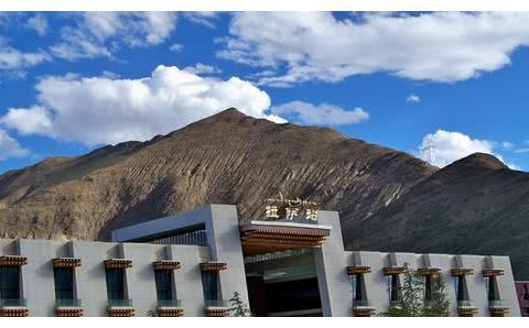 挤爆了的高原火车,穿越缺氧的西藏——离天空最近的铁路