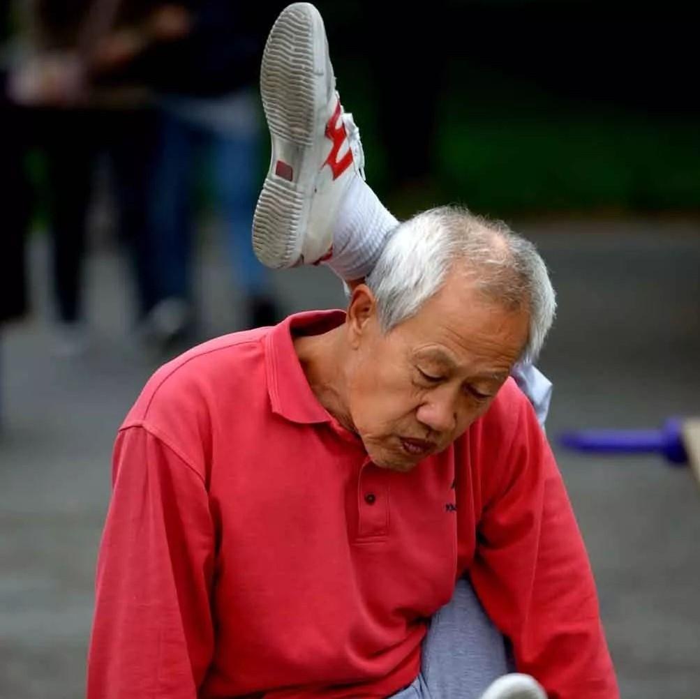 """【厉害】遇见天坛里健身的大爷大妈,敢叫板的都""""虾米了""""!"""