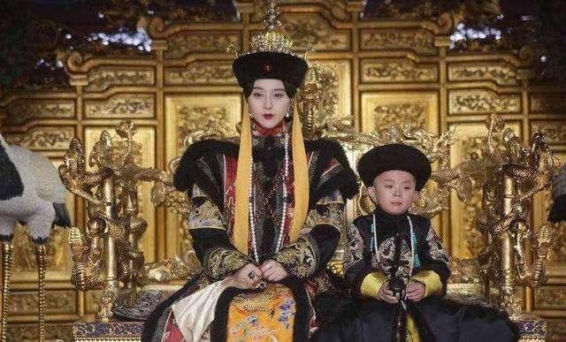 大清建立二百多年,上朝时是满语为主,还是汉语为主?