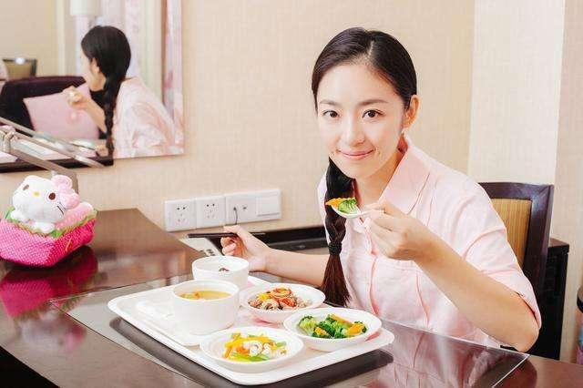 产妇晒婆婆做的月子餐,网友纷纷点赞:有这样的婆婆真是太幸运了